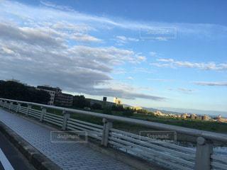 水の体以上の長い橋の写真・画像素材[731705]