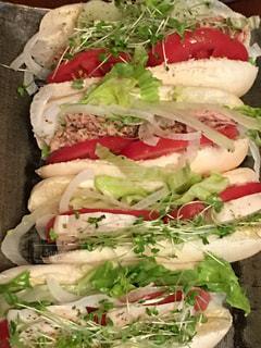 米粉ロールでサラダサンドイッチの写真・画像素材[736575]