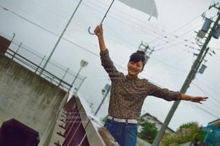 私と傘の写真・画像素材[740629]