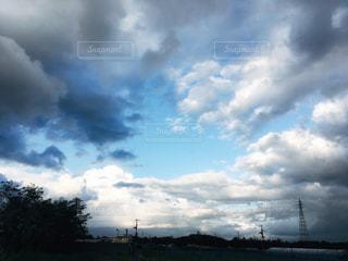 雨が止んだ後の空の写真・画像素材[734412]