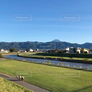 富士山の見える川 - No.832105