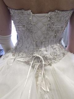 ウェディングドレスの後ろ姿の写真・画像素材[1144697]