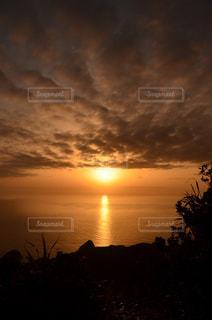 乳房山から望む夕陽 - No.798723