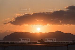 函館空港からの夕日。の写真・画像素材[837827]