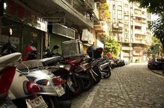 バイクの列 - No.918205