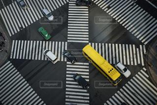 スクランブル交差点の写真・画像素材[889032]