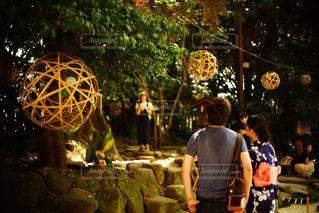 お祭りデートの写真・画像素材[926646]
