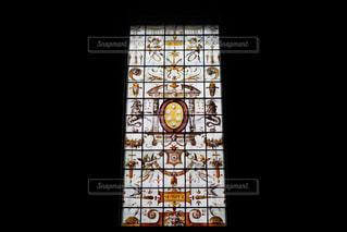 クロック タワーは夜ライトアップの写真・画像素材[1370431]
