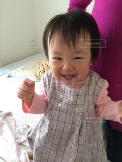 小さな女の子の写真・画像素材[740456]