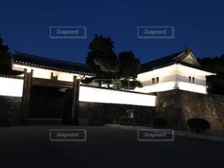 ライトアップされた桜田門の写真・画像素材[943643]