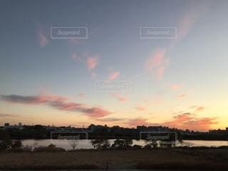 荒川の夕焼け空の写真・画像素材[952387]