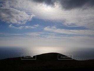 海に広がる太陽の光の写真・画像素材[955110]