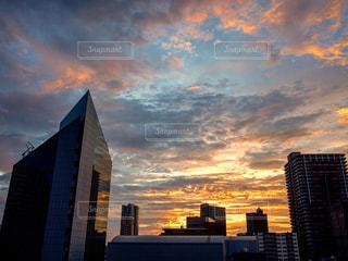 日の出を迎える朝焼けの写真・画像素材[1768150]
