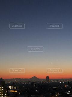 空の下にある富士山の写真・画像素材[1780226]