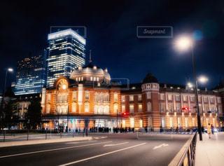 夜の東京駅の写真・画像素材[1784181]