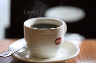 湯気の立つコーヒーの写真・画像素材[1794489]
