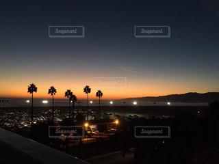 サンタモニカビーチのサンセットの写真・画像素材[737463]