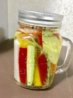 近くに食品のプラスチック容器のの写真・画像素材[739342]