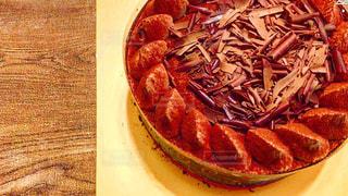 近くのテーブルの上に食べ物をの写真・画像素材[739705]