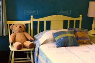 子供部屋 ベッド テディー ・ ベアの写真・画像素材[1430180]