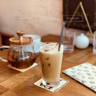 カフェでホッと一息の写真・画像素材[1814102]