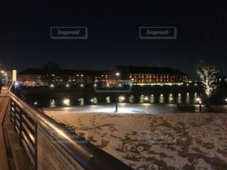 夜の街の景色の写真・画像素材[978611]