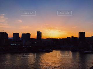 沈む夕日の写真・画像素材[1468148]