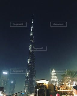 クロック タワーは夜ライトアップの写真・画像素材[740225]