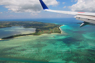 飛行機の窓からの絶景の写真・画像素材[740761]