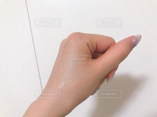 ジェルが浸透した手の写真・画像素材[1817772]