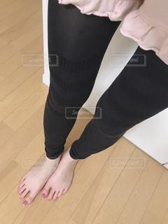 レギンスを履いた脚の写真・画像素材[1859767]