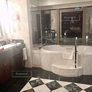 バスルームの写真・画像素材[2394494]