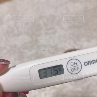 体温計 37.5℃の写真・画像素材[3630088]