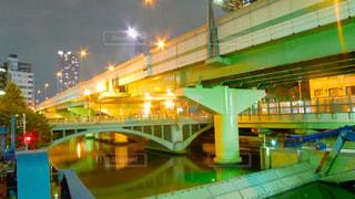 緑の光で建物の写真・画像素材[741799]