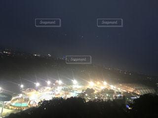 夜の大群衆の写真・画像素材[742137]