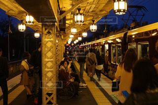 京都の夜のホームの写真・画像素材[742497]