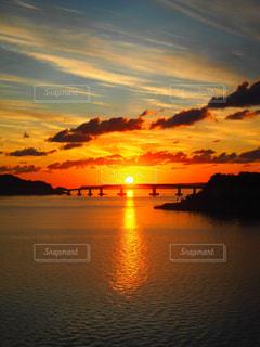 日本海の朝日の写真・画像素材[742555]