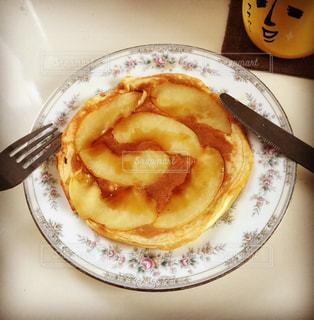 りんごのパンケーキの写真・画像素材[750821]