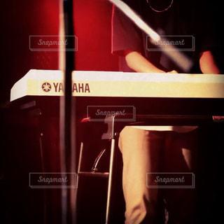 ピアノを弾く人 - No.742717
