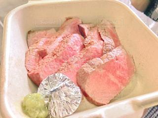 食品の入ったプラスチック容器 - No.794749