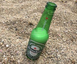海とビールの写真・画像素材[855010]