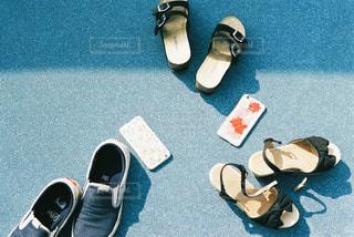床に靴のグループ - No.743685