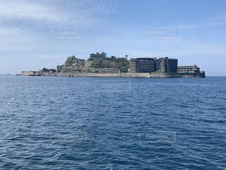 橋島を背景に大きな水域の写真・画像素材[4142842]