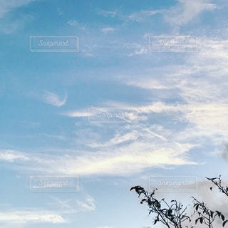 空には雲のグループ - No.765052