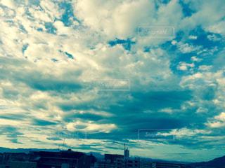 青い空に雲の写真・画像素材[744504]
