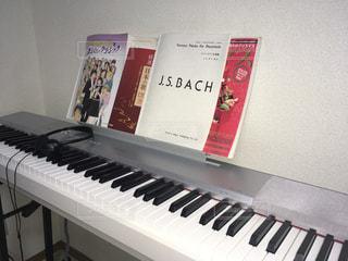 近くにピアノのの写真・画像素材[763435]