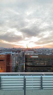 都会の高いビルの写真・画像素材[2107014]