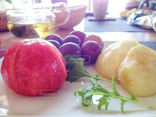 朝食のフルーツの写真・画像素材[2287918]