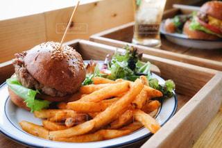 ハンバーガーの写真・画像素材[2397448]