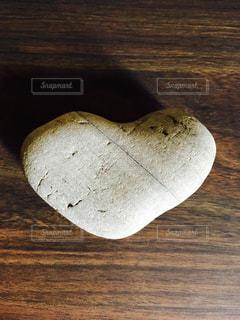 ハート型の石の写真・画像素材[756899]